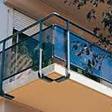RVS balustrades met glaspanelen